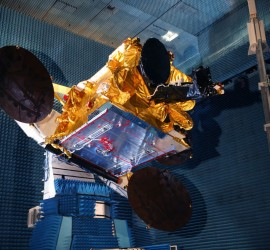 ASTRA 1N undergoing RF tests (MISTRAL Room) / (Copyright : Astrium / D. Marques / 2011)